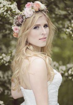 INNA Studio_ floral crowns / wianek na ślub / pastelowy / z sukulentem / fot. Eelfiki Photography