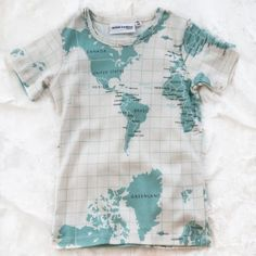 mini rodini organic map tee by mini rodini $38.00 short sleeve tee with allover world map print. 100% organic cotton, imported.
