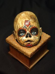 sugar skull painted doll heads done by a lansing artist? Creepy Baby Dolls, Creepy Toys, Halloween Doll, Halloween Projects, Halloween 2014, Halloween Ideas, Maquillage Sugar Skull, Sugar Skull Painting, Doll Painting