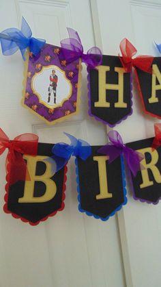 Disney Descendants birthday centerpiece party banner decorations Mal Carlos Evie Jay