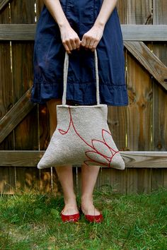 Felted Flower Bag by ADKnits, via Flickr...  This woman has mad skills.