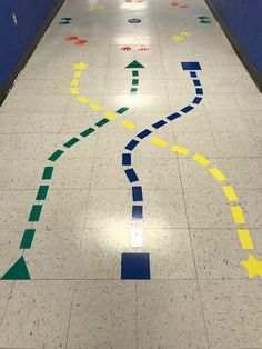 Field Day Games For Kids Discover Shape Walk Sensory Path Sensory Path Decals Sensory Path Sensory Walk Movement Path Reggio Emilia Classroom, Reggio Inspired Classrooms, Preschool Classroom, Sensory Wall, Sensory Rooms, Sensory Tubs, Sensory Boards, Sensory Bottles, Gross Motor Activities