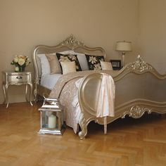 Verona Silver Leaf Bed