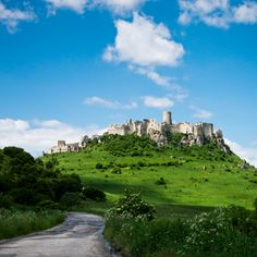 TOP 15 sights and places of one very beautiful country in the Heart of EUROPE! The TATRAS Magnificient mountain range bordering Poland and Slovakia and. Heart Of Europe, European Countries, Thessaloniki, Bratislava, Krakow, Travelogue, Prague, Continents, Athens