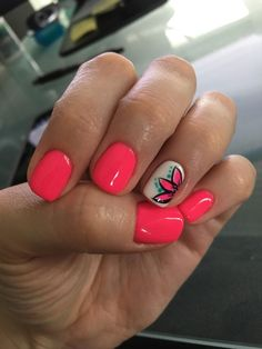 What Christmas manicure to choose for a festive mood - My Nails Summer Acrylic Nails, Spring Nails, Summer Shellac Nails, Fall Nails, Summer Toenails, Coral Nails, Neon Nails, Best Summer Nail Color, Summer Beach Nails