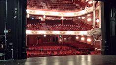 В британском театре сфотографировали двух призраков в зрительном зале (2 фото) http://nlo-mir.ru/prizraki/47360-prizrakov-v-zritelnom-zale.html