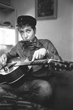 Bob Dylan is the first American to win the Nobel prize in… Leonard Cohen, Ricky Martin, Disney Marvel, Shakira, Bucky, Einstein, Like A Rolling Stone, New Press, Willie Nelson
