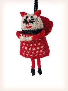 Lucinda Guy's knitted cat christmas ornament pattern