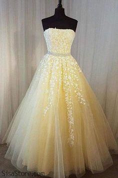 Prom Dress Princess, Charming Prom Dress, Long Prom Dresses, Sexy Strapless Tulle Homecoming Dress Shop ball gown prom dresses and gowns and become a princess on prom night. prom ball gowns in every size, from juniors to plus size. Strapless Prom Dresses, Pretty Prom Dresses, Sweet 16 Dresses, A Line Prom Dresses, Ball Gowns Prom, Tulle Prom Dress, Long Wedding Dresses, Prom Party Dresses, Tulle Lace