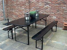 All black beer bench – - Trend Diy Balcony Rattan Furniture, Garden Furniture, Outdoor Furniture, Balcony Design, Garden Design, Outdoor Tables, Outdoor Decor, Outdoor Seating, Boho Chic