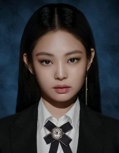 Kim Jennie, Id Photo, Blackpink Video, Kim Jisoo, Black Pink Kpop, Blackpink Photos, Blackpink Fashion, Mug Shots, Yg Entertainment