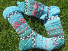 Colorfull socks knitted in fair isle patterns wool polyacryl Outfit Des Tages, Making Ideas, Socks, Etsy, Fashion, Accessories, Knit Socks, Knitting Socks, Knit Patterns