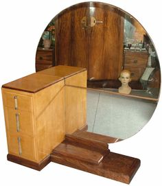 Fab asymmetrical dressing table, wow that's a nice piece of woodworking Art Nouveau Furniture, Furniture Decor, Furniture Vanity, Retro Furniture, Bedroom Furniture, Art Deco Dressing Table, Art Deco Bedroom, Streamline Moderne, Dressing Mirror