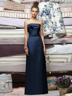 long navy bridesmaid dress - pinned for the colormimimimi this is the one I like
