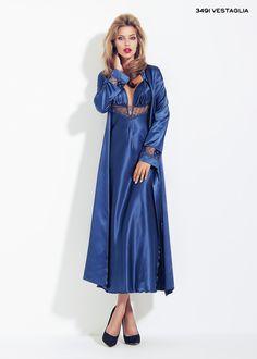 ANDRA satin robe