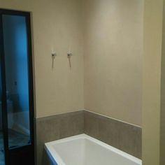 Kaunis kylpyhuone Helsingissä.