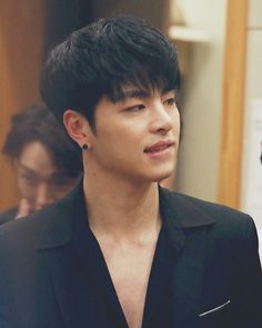 Junhoe is too beautiful Chanwoo Ikon, Kim Hanbin, Pop Bands, Yg Entertainment, Ikon Instagram, K Pop, Park Hyun Sik, Rhythm Ta, Joon Hyuk