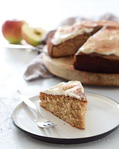 Apfel-Zimt-Kuchen - Kochstübchen Winter Time, Banana Bread, Cake Recipes, French Toast, Pie, Xmas, Cupcakes, Sweets, Cookies