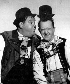 """Laurel und Hardy in """"Swiss Miss"""" Film 1938 Laurel And Hardy, Stan Laurel Oliver Hardy, Great Comedies, Classic Comedies, Golden Age Of Hollywood, Classic Hollywood, Caricatures, Photo Star, Comedy Duos"""
