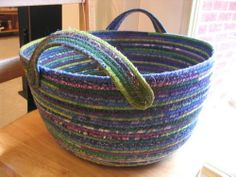Fabric Basket - Blue, Purple & Green would be cute with buttons on the handles Rope Basket, Basket Weaving, Fabric Bowls, Clothes Basket, Rope Crafts, Fabric Strips, Clothes Line, Sewing Crafts, Fabric Crafts