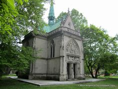 New York's wealthiest citizens built mausoleums in Woodlawn Cemetery with grandeur that matched the Avenue mansions they spent their living years in. Woodlawn Cemetery, Gate House, Grand Homes, Sundial, Historical Sites, Art And Architecture, Barcelona Cathedral, Acre, Mansions