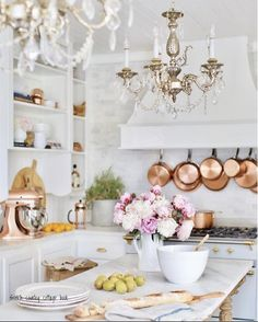 Get the Look- 4 vintage style French Country Kitchen Chandeliers for your home. french home decor Get the Look- 4 vintage style French Country Kitchen Chandeliers Modern French Country, French Country Kitchens, French Country Cottage, Country Farmhouse Decor, Country Bathrooms, Kitchen Country, Farmhouse Design, French Style, Country Interior