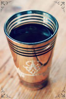 Husfrøy: Chai latte på et blunk Chai, Latte, Tableware, Dinnerware, Tablewares, Dishes, Place Settings