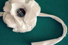 recycler un vieux t-shrit avec un projet de fleur en tissu et de déco diy