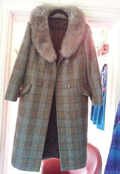 long checked coat with faux fur lapel Winter Months, Coats For Women, Faux Fur, Fur Coat, Fancy, Denim, Jackets, Fashion, Down Jackets
