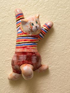 Russian majolica figurine Climbing Cat. Wall by AnnaLuninGiftShop
