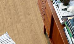V2107-40022 Pergo Vinyl Landhausdiele Premium Klick Eiche natur golden