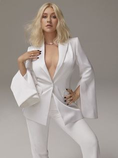 Christina Aguilera showing her sexy body photoshoot for model of Cosmopolitan Magazine October 2018 issue Christina Aguilera, Beautiful Christina, Most Beautiful, Edgy Chic, Casual Chic, Rihanna, Cosmopolitan Magazine, Cultura Pop, Female Singers