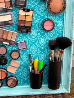 DIY Makeup Organization Ideas, Makeup Storage, A magnetic makeup board! Bathroom Organization, Makeup Organization, Bathroom Storage, Organized Bathroom, Bathroom Interior, Modern Bathroom, College Organization, Small Bathrooms, Storage Organization