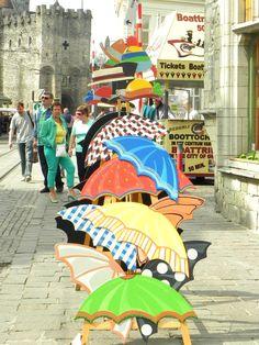 Paraguas en la calle en gante, belgica #fotografia #photo #viaje #travel