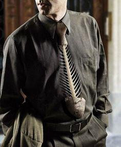 Fishbone-shaped necktie
