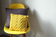 MES FAVORIS TRICOT-CROCHET: Modèle tricot gratuit : Le coussin à torsades