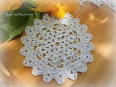 Mini cluster doily free crochet pattern in english and japanese by doily patterns for beginners the original pattern for this small doily has nine rounds dt1010fo