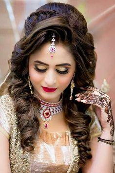 short hair mermaid hair hair and beard styles Bridal Hairstyle Indian Wedding, Pakistani Bridal Makeup, Indian Wedding Makeup, Bridal Hair Buns, Bridal Hairdo, Indian Bridal Hairstyles, Wedding Hair And Makeup, Bride Hairstyles, Homecoming Hairstyles
