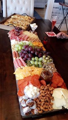 "Sur La Table on Instagram: ""Did you see @ainttooproudtomeg Meat And Cheese, Cheese And Cracker Tray, Easy Cheese, Wine Cheese, Snack Trays, Snack Platter, Meat Platter, Food Trays, Antipasto Platter"