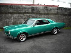 1967 GTO H. It has its original Pontiac 400 engine rated at 360 hp! And it has a 4 speed manual transmission. Rat Rods, Dream Cars, My Dream Car, 1967 Gto, Automobile, Mercedez Benz, Old School Cars, Sweet Cars, Us Cars