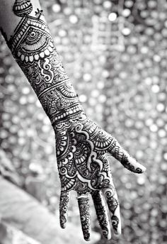 Henna  ✵☽♚ ✧ for more follow on INSTA @love_ushi OR PINTEREST @ANAM SIDDIQUI ✧ ╳ ♡