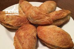 Kavurma Börek (nefis) Snack Recipes, Snacks, Sweet Potato, Sausage, Potatoes, Chips, Bread, Vegetables, Food