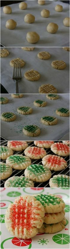 World's Best Sugar Cookies. The forking pattern is mostly used with Peanut Butter cookies, however, using it on Sugar Cookies helps to keep the colored sugar on the cookies. Cookie Desserts, Holiday Desserts, Holiday Baking, Christmas Baking, Holiday Recipes, Cookie Recipes, Dessert Recipes, Holiday Treats, Christmas Recipes