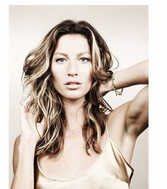 Gisele Bundchen Hair With Layers And Waves