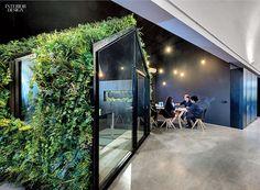 Park + Associates, Edward Hendricks · Architect's Office at Kim Yam Road Interior Design Magazine, Interior Work, Office Interior Design, Interior Architecture, Corporate Interiors, Office Interiors, Universal Studios Singapore, Concrete Interiors, Open Office