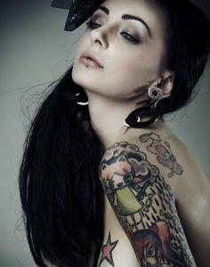Your Dream Tattoos!: Cloud Tattoos- few Beautiful Cloud Tattoo Designs Tattoo Girls, Tattoo Designs For Girls, Girl Tattoos, Tattoos For Women, Tattooed Women, Tatoos, Piercing Tattoo, Tattoo Ink, Lobe Piercing