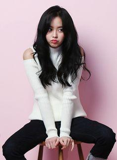 Actress Kim So Hyun shows off her cute charm in new pictorials Kim So Hyun Fashion, Korean Fashion, Korean Beauty, Asian Beauty, Hyun Soo, Kim Sohyun, Kim Yoo Jung, Korean Actresses, Korean Actors