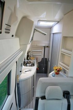 Sprinter van sleeper conversions four winds ventura for Sprinter wohnmobilausbau