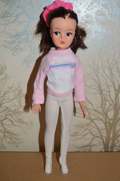 60 s/70 s SINDY Doll with clothes - 033055X