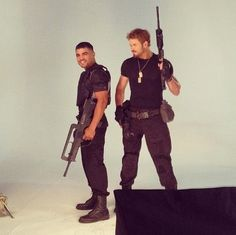 Hollywood News: NOVA/ANTIGA FOTO DE KELLAN LUTZ NO SET DE OS MERCENÁRIOS 3